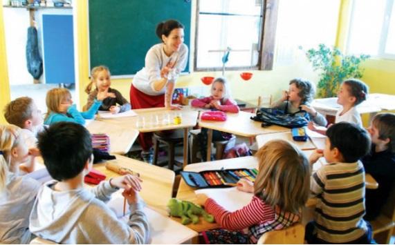 Белореченские школы не успевают закупить мебель до 1 сентября